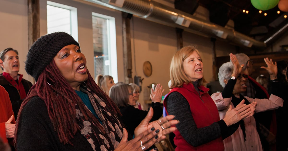 Evelyn Reingold and Other Congregants Singing - 2019-02-17